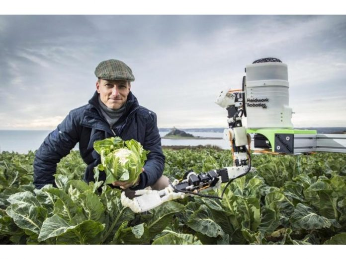 Robot nhà nông sắp thế chỗ con người để thu hoạch trái cây