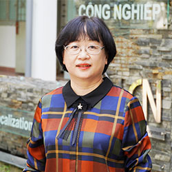 TS. Nguyễn Thúy Quỳnh Loan